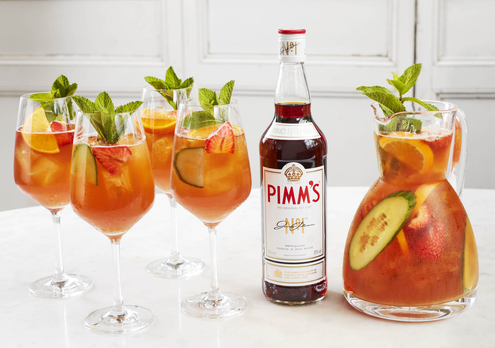 Pic of Pimm's jug and glasses