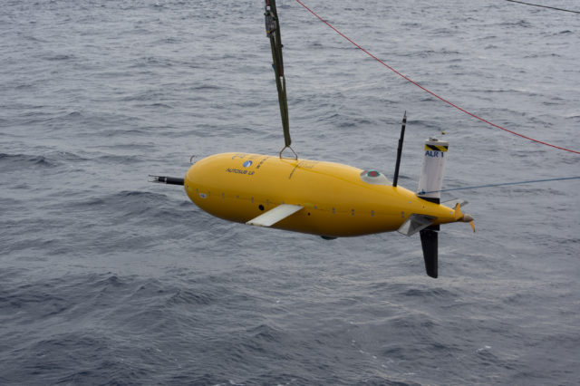 boaty being deployed (Povl Abrahamsen/British Antarctic Survey)