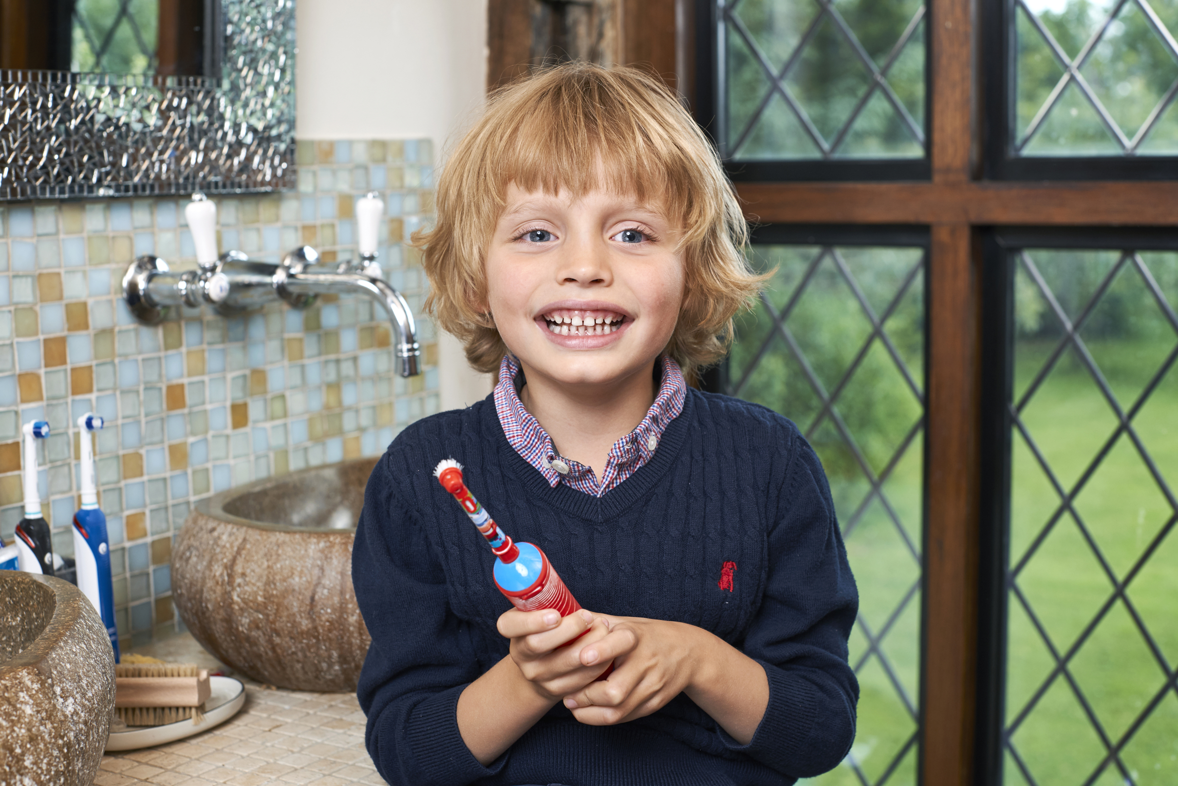 Brushing new toothbrush claims to clean teeth in 6 seconds abc news -  Brush Their Teeth Well Indio With His Favourite Disney Cars Lightening Mcqueen Toothbrush Denplan Pa