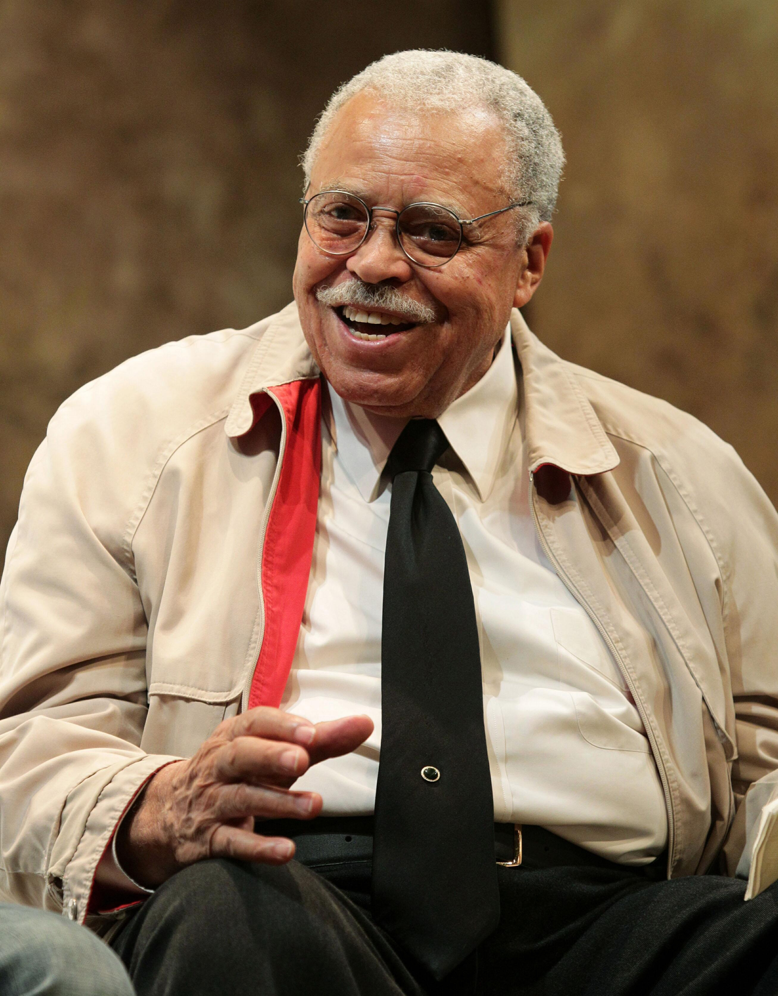 james earl jones a voice in James earl jones is a long-time character actor and voice actor with a distinctive deep voice, most well known to sci-fi fans as the voice of darth vader in the star wars series of movies.