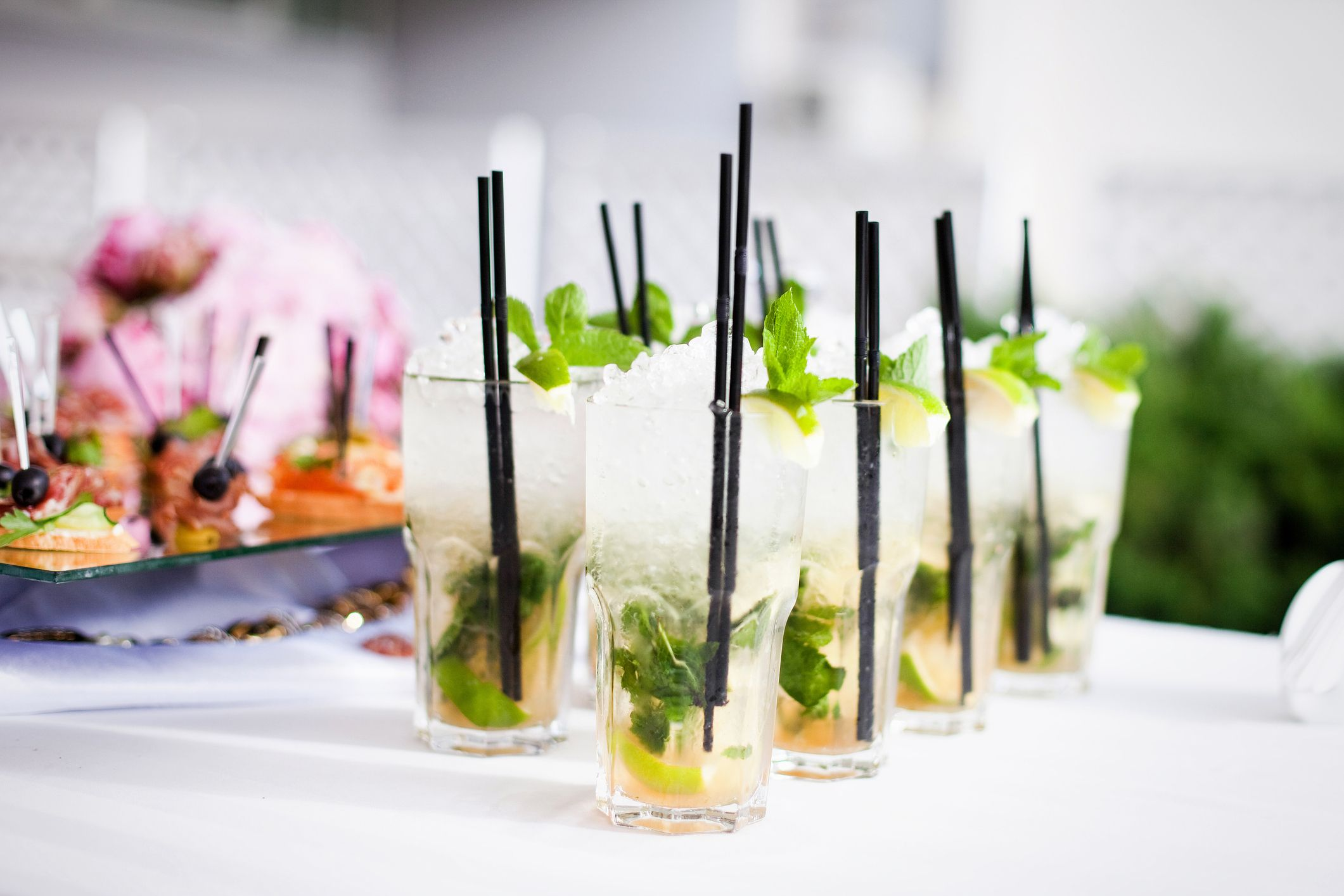Cocktails at a party (Thinkstock/PA)