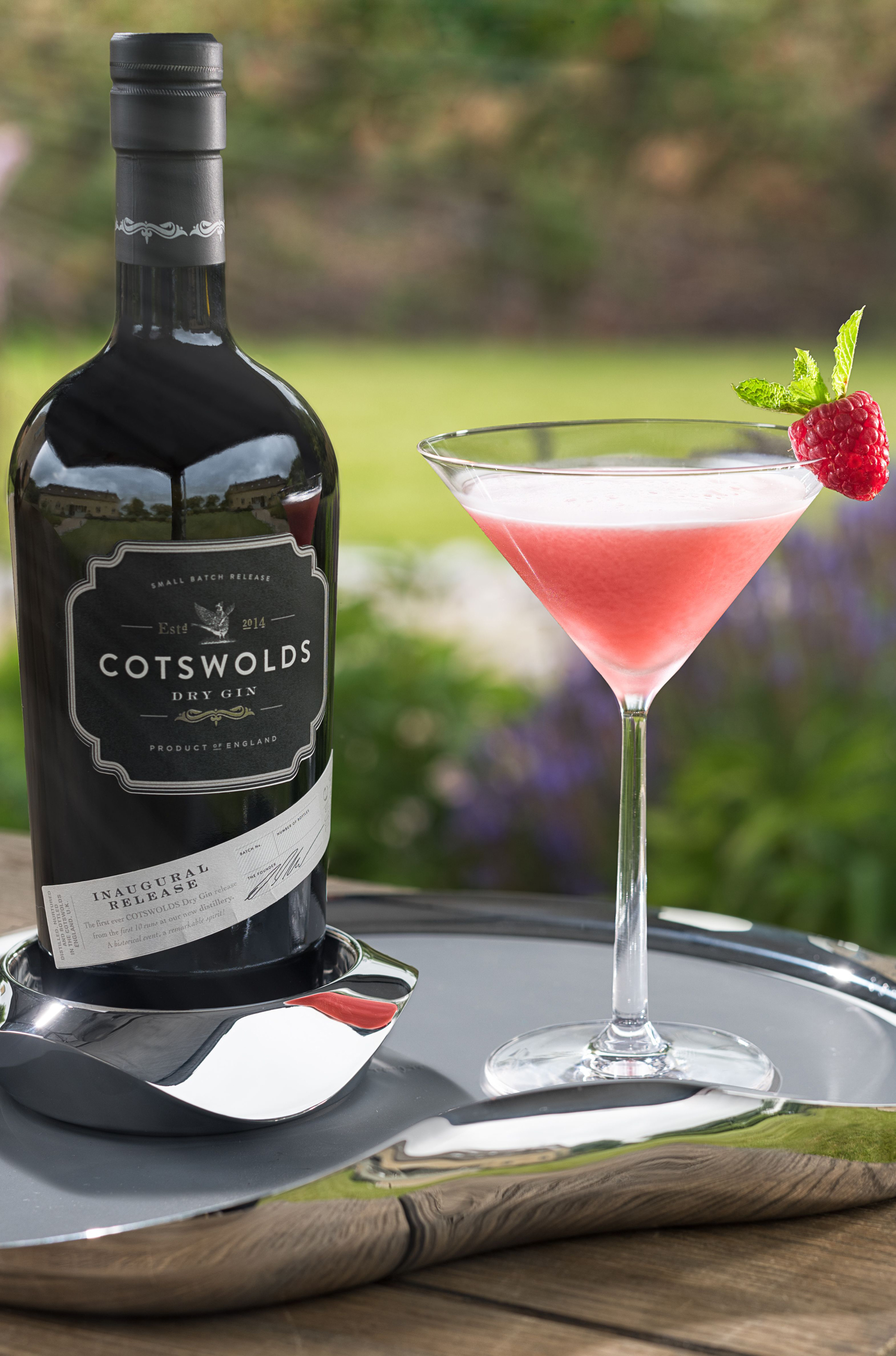 Cloer Leaf cocktail with Cotswoolds dry gin