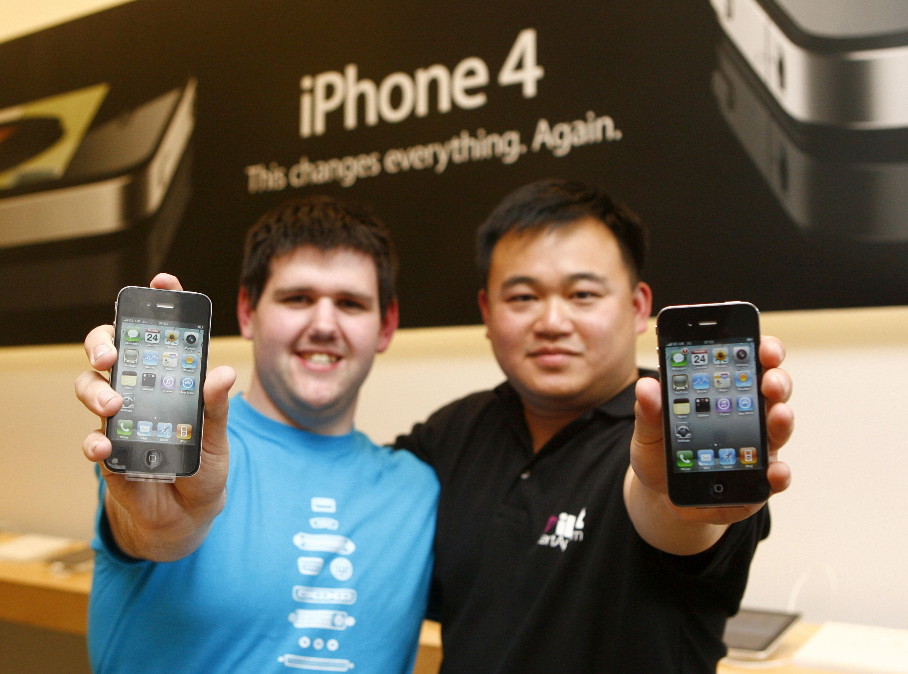 iPhone 4 being sold