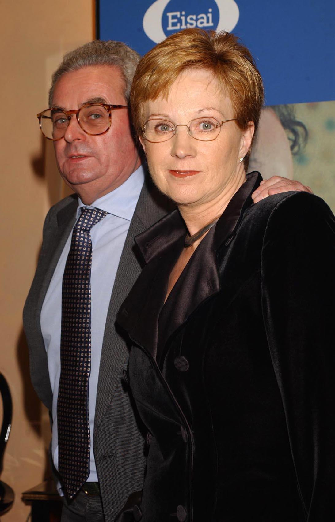 Anne Robinson with her then husband, John Penrose in 2002 (Yui Mok/PA)