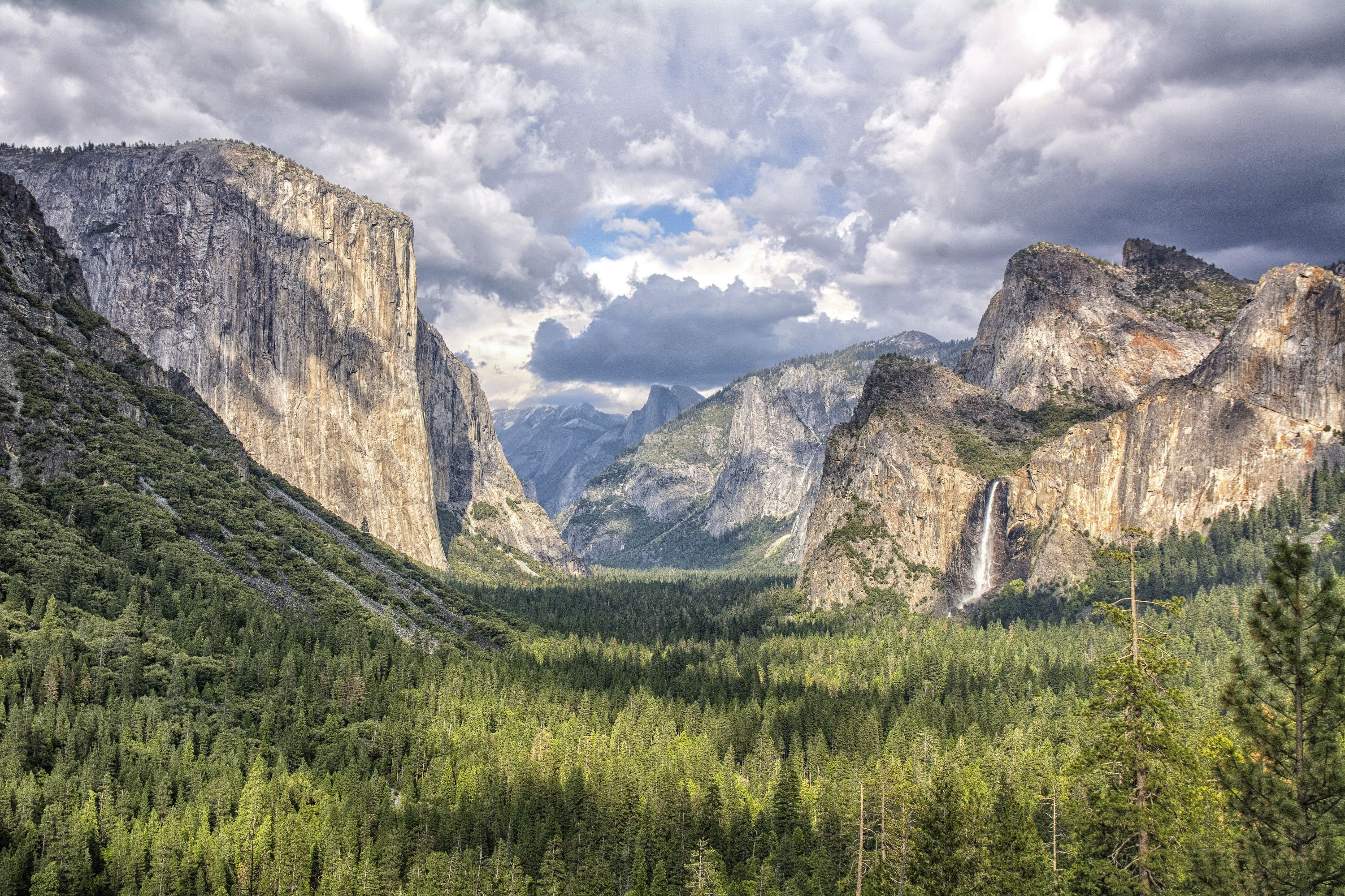 Yosemite, El Capitan on the left and Bridalveil Falls on the right. (Imagelibrary India Pvt Ltd: Mike Wilson/PA)