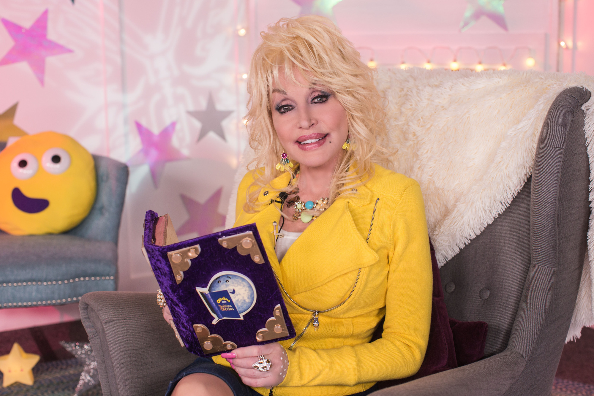 Dolly Parton filming her CBeebies Bedtime Story (Pete Dadds/BBC)