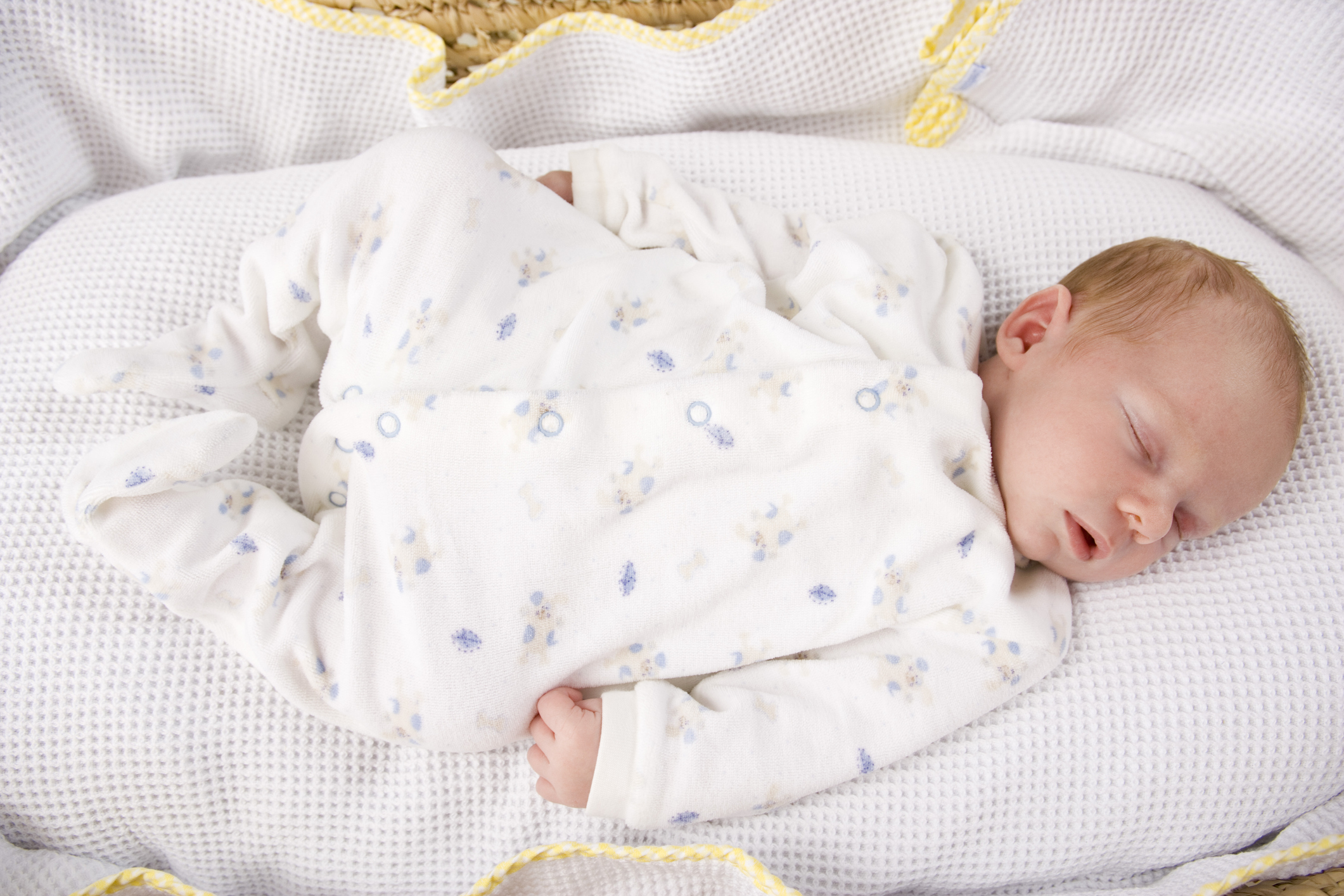 what is the safest sleep position for babies tv3 xposé