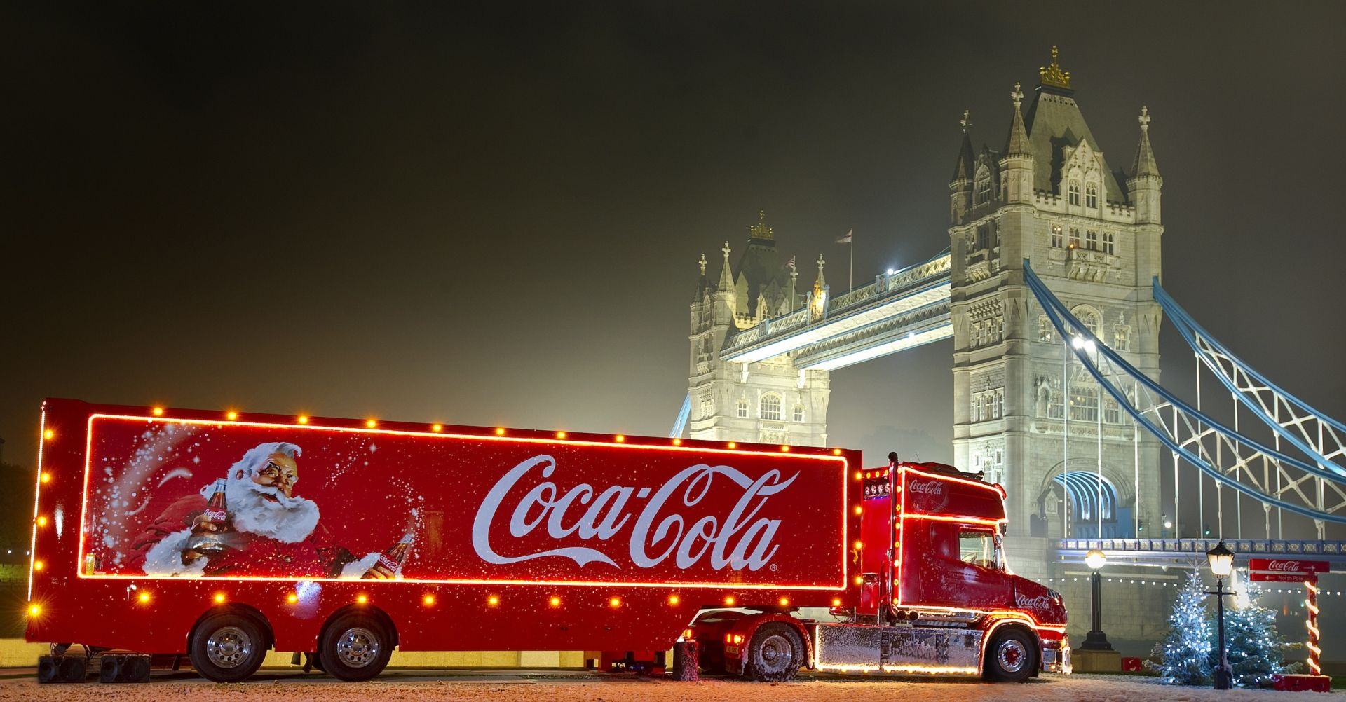 The Coca-Cola truck and Tower Bridge