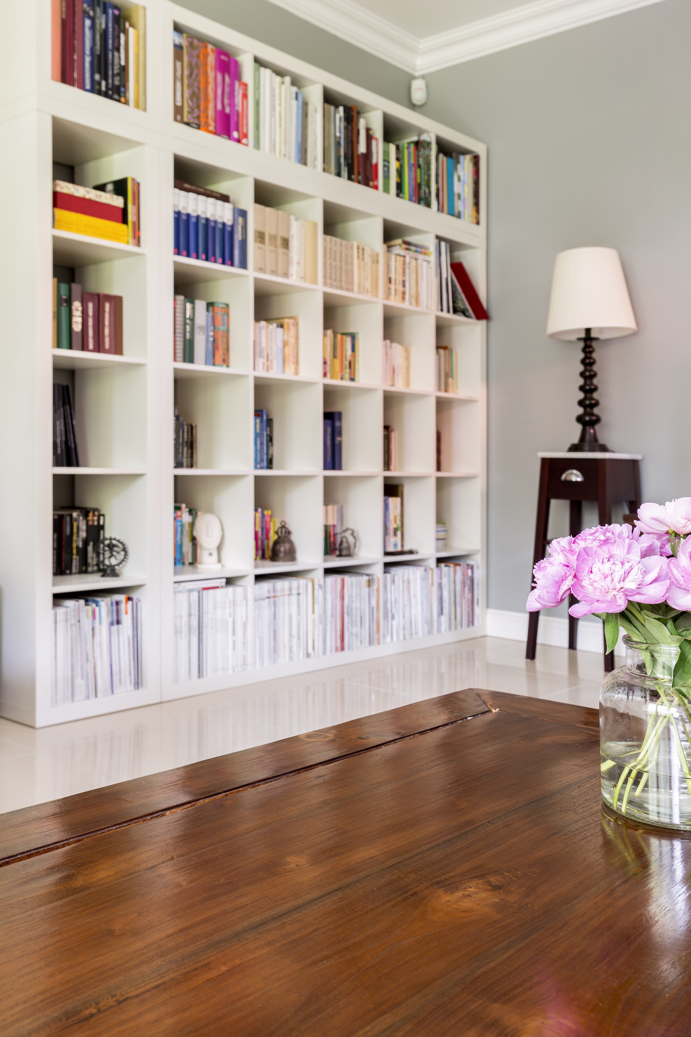 A perfectly-organised bookcase (Thinkstock/PA)