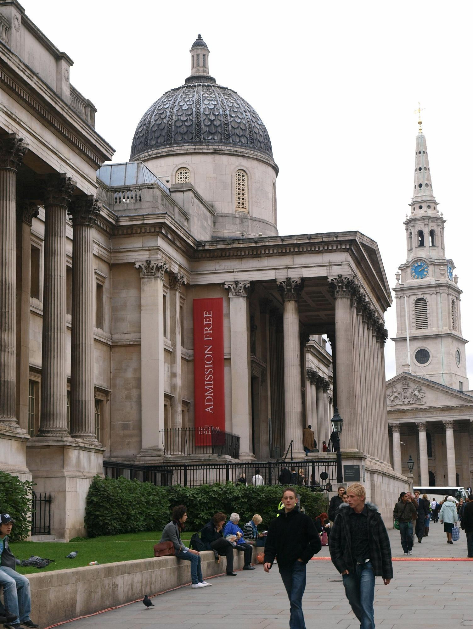 Admission free sign on the side of National Gallery