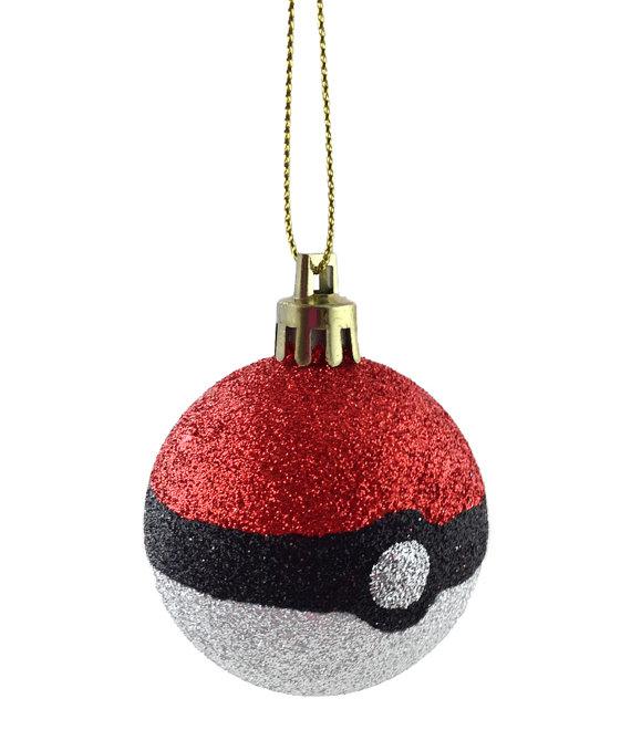Pokemon Go Pokeball (VVarsany/Etsy)