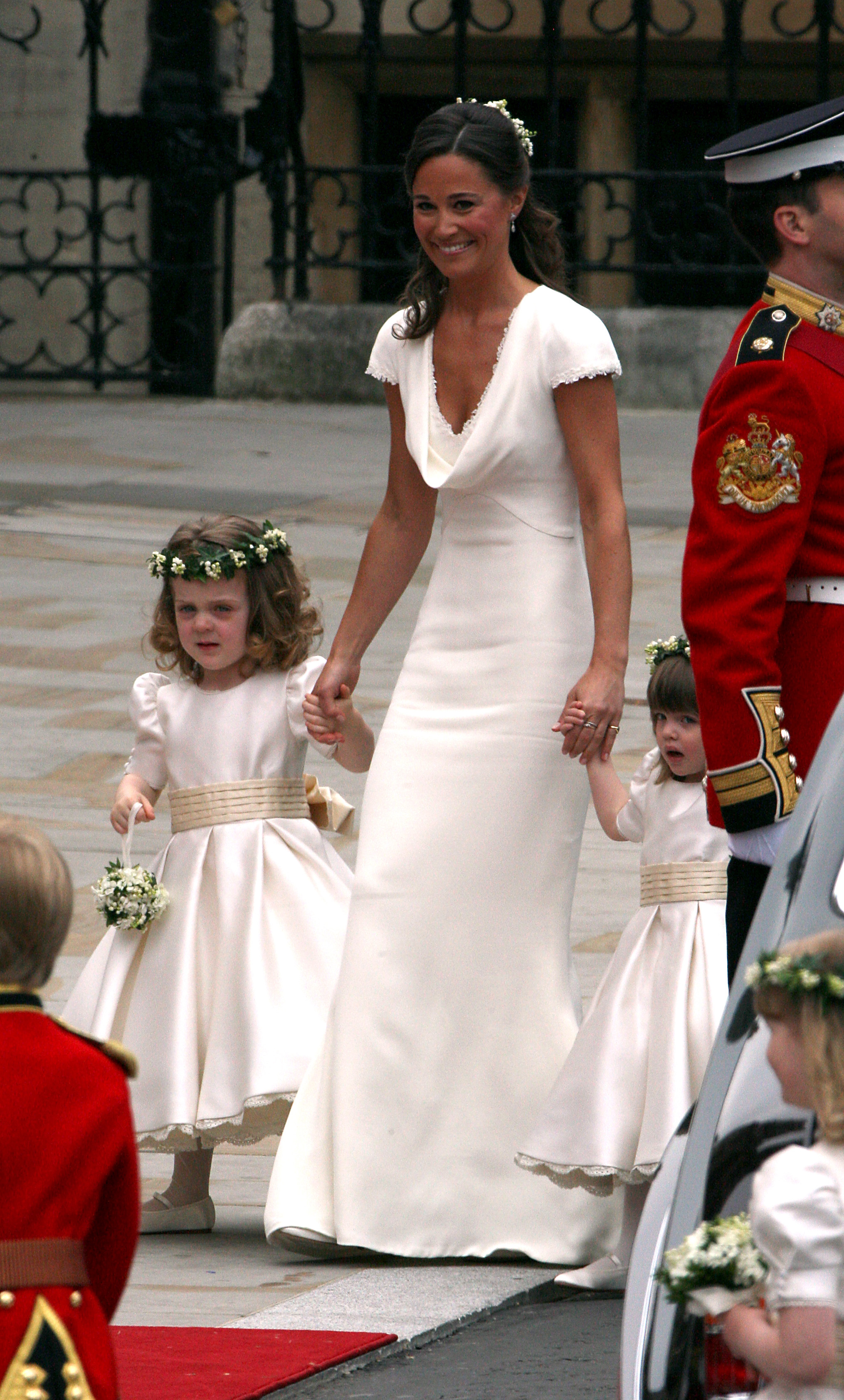 Pippa Middleton arrives at Westminster Abbey with the bridesmaids ahead of the wedding between Prince William and Kate Middleton