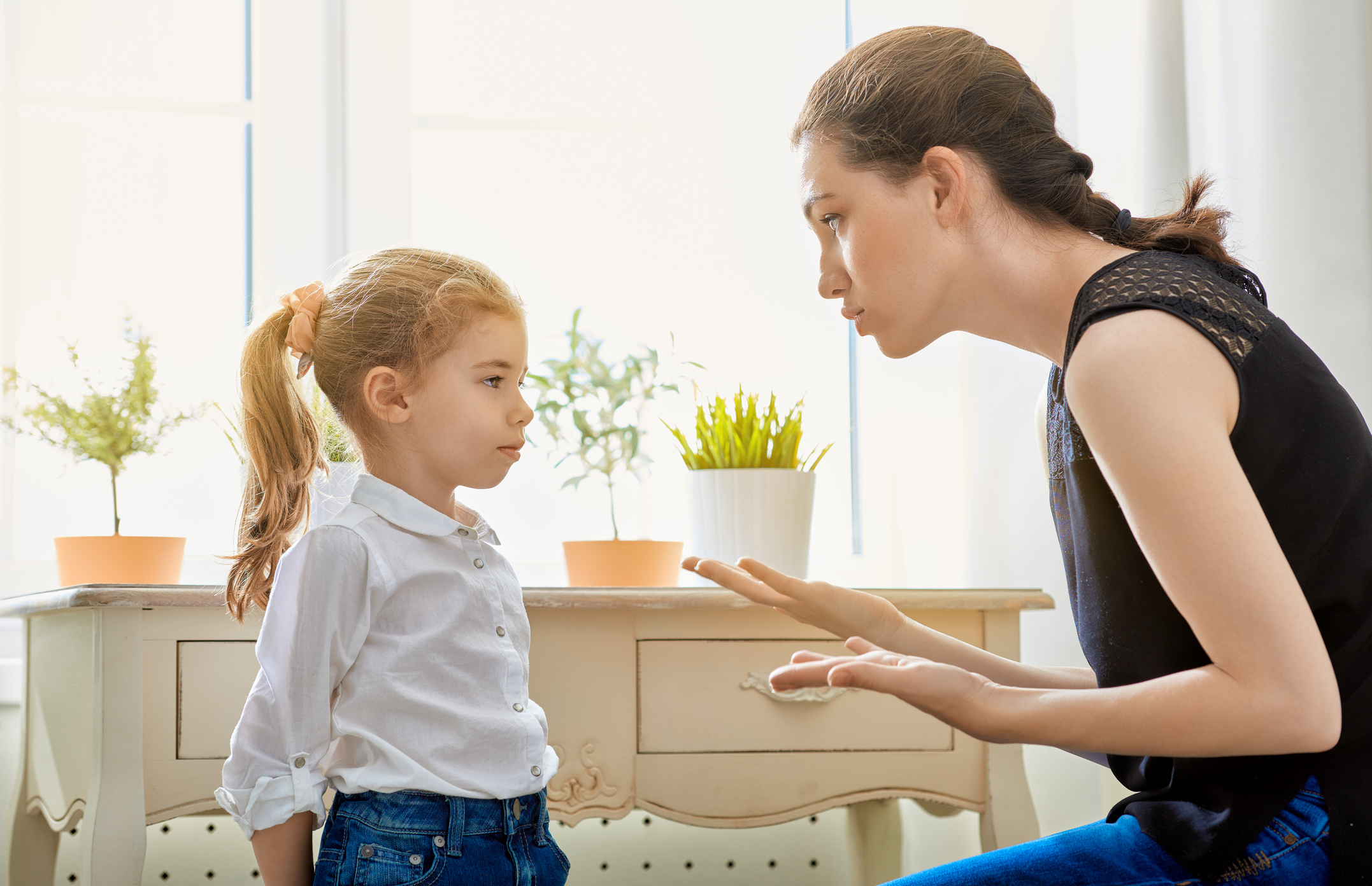A mother scolds her child (Thinkstock/PA)