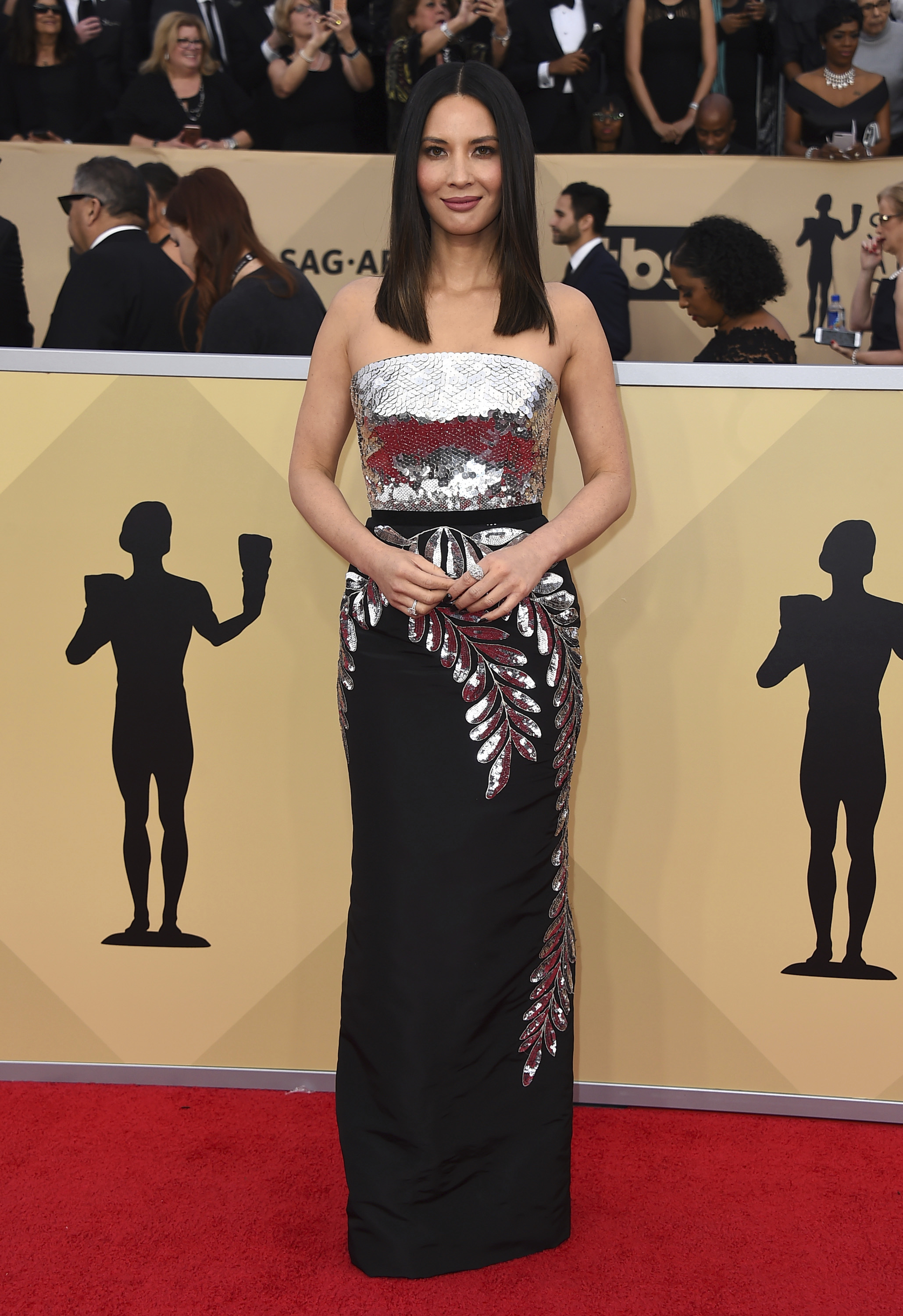 Olivia Munn arrives at the 24th annual Screen Actors Guild Awards