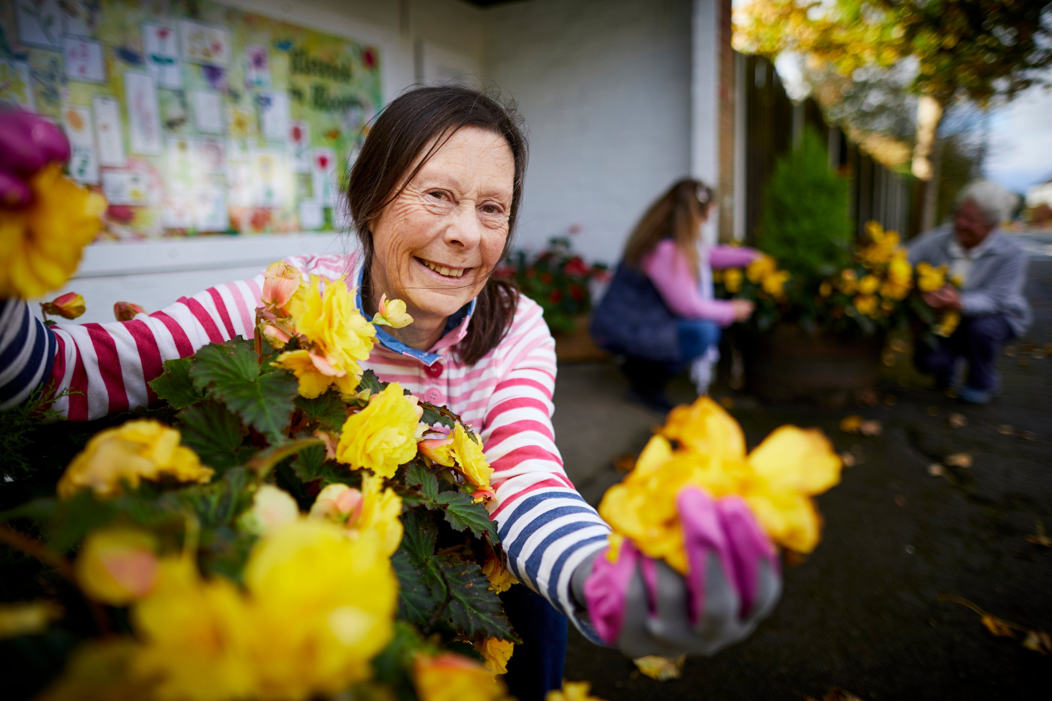 Volunteers help to create a pretty haven at Elswick village in Lancashire. (RHS/PA)