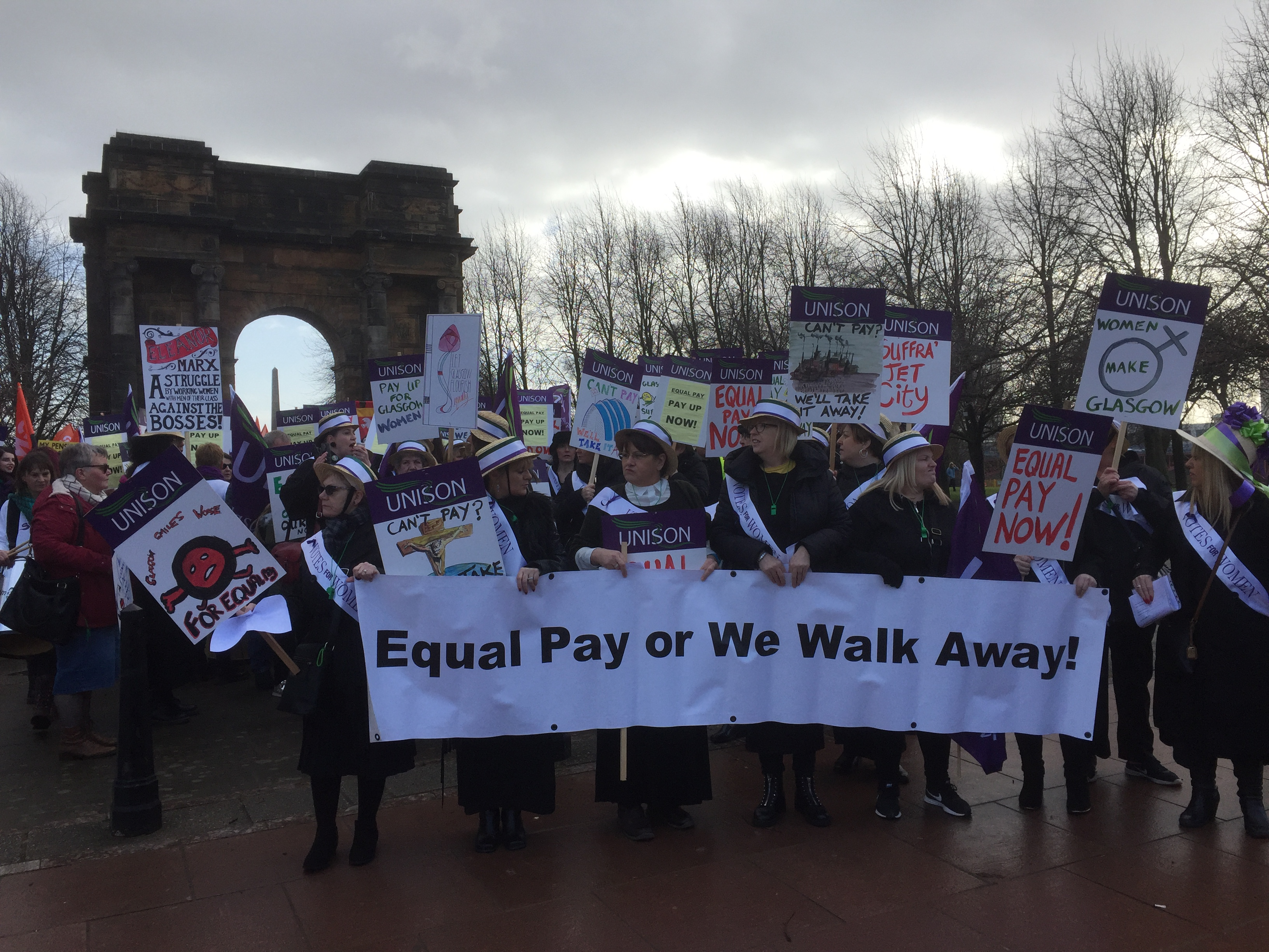 'Suffragettes' lead girls's march for equal pay in Glasgow