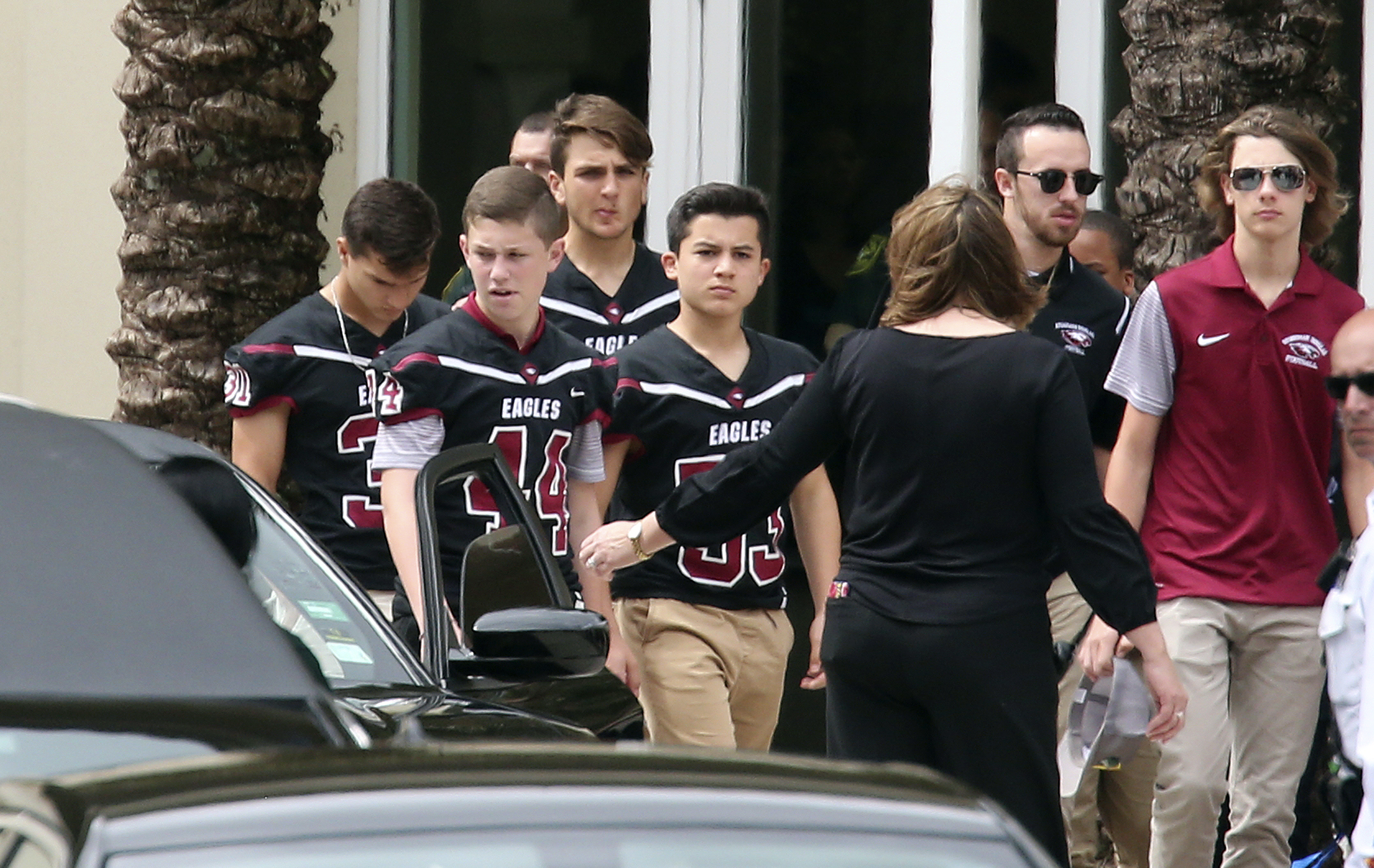 Florida school shooting armed cop stood outside massacre and did NOTHING