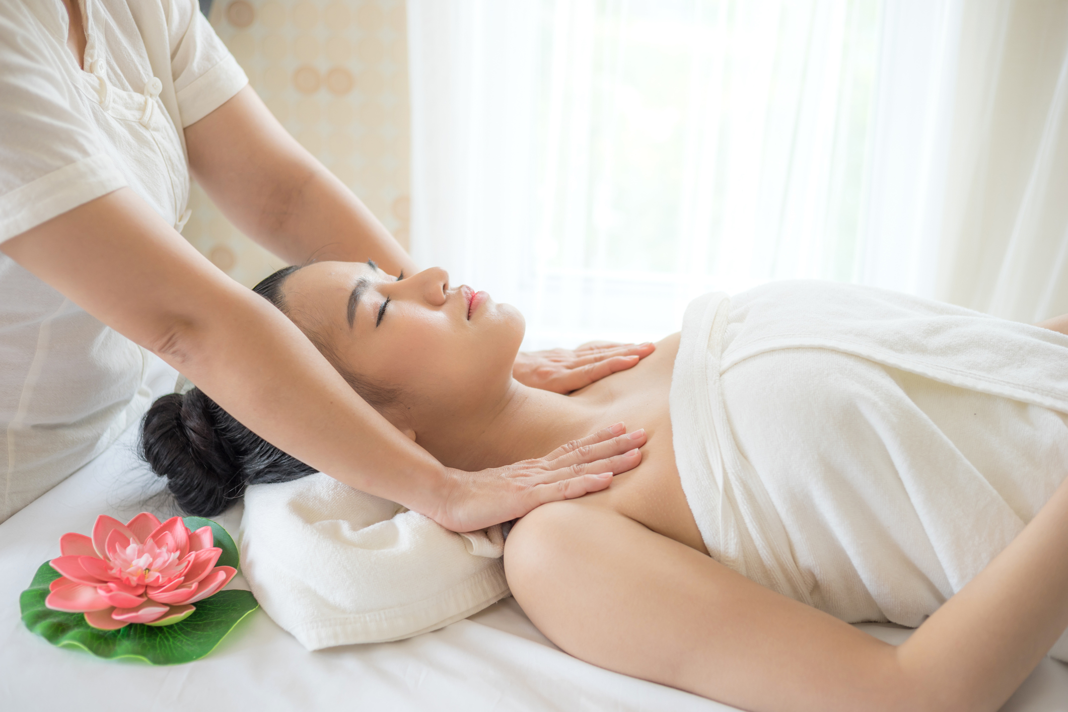 Could Manual Lymphatic Drainage massage give your body the boost it needs? - Lifestyle from Xposé - Virgin Media Television