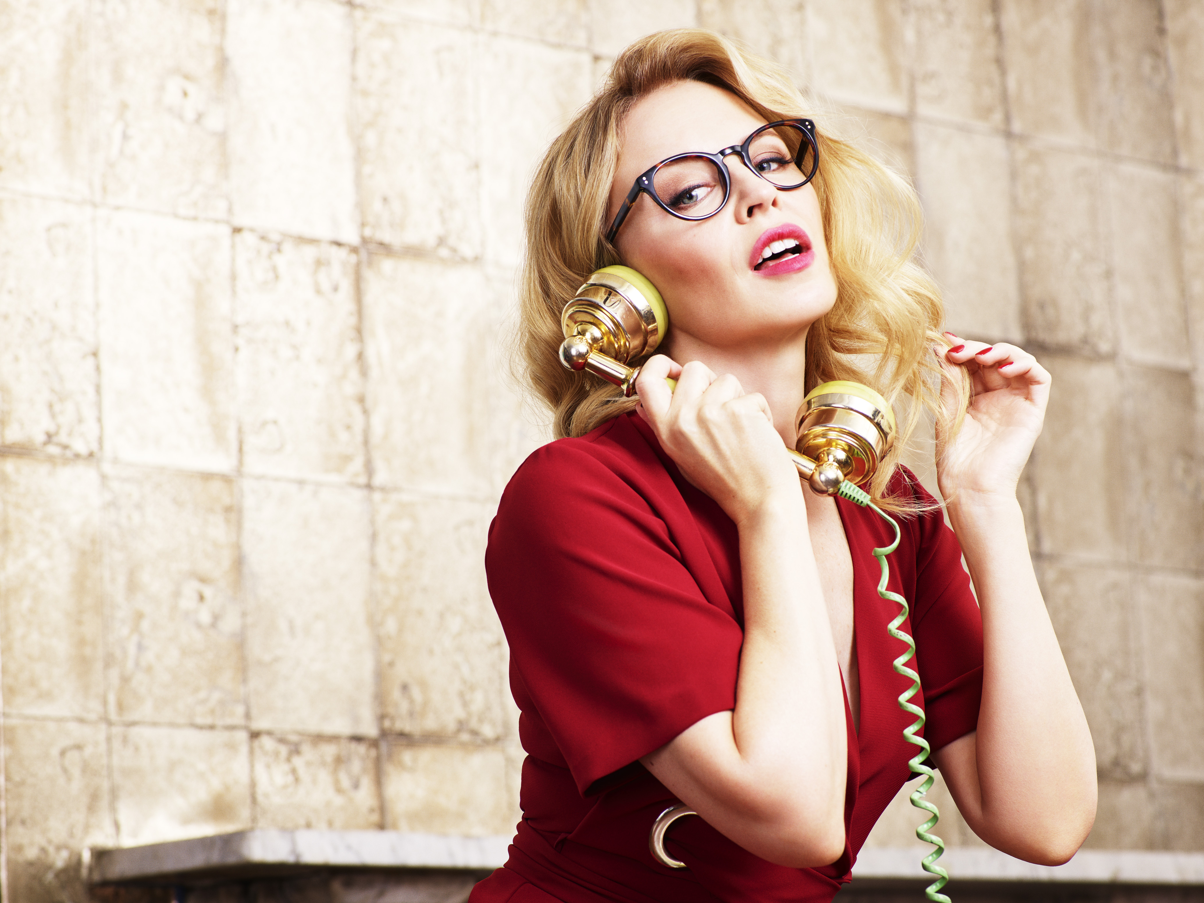 bd5097eff6 Kylie Minogue wearing glasses from her second collection with Specsavers  Minogue sporting more ...