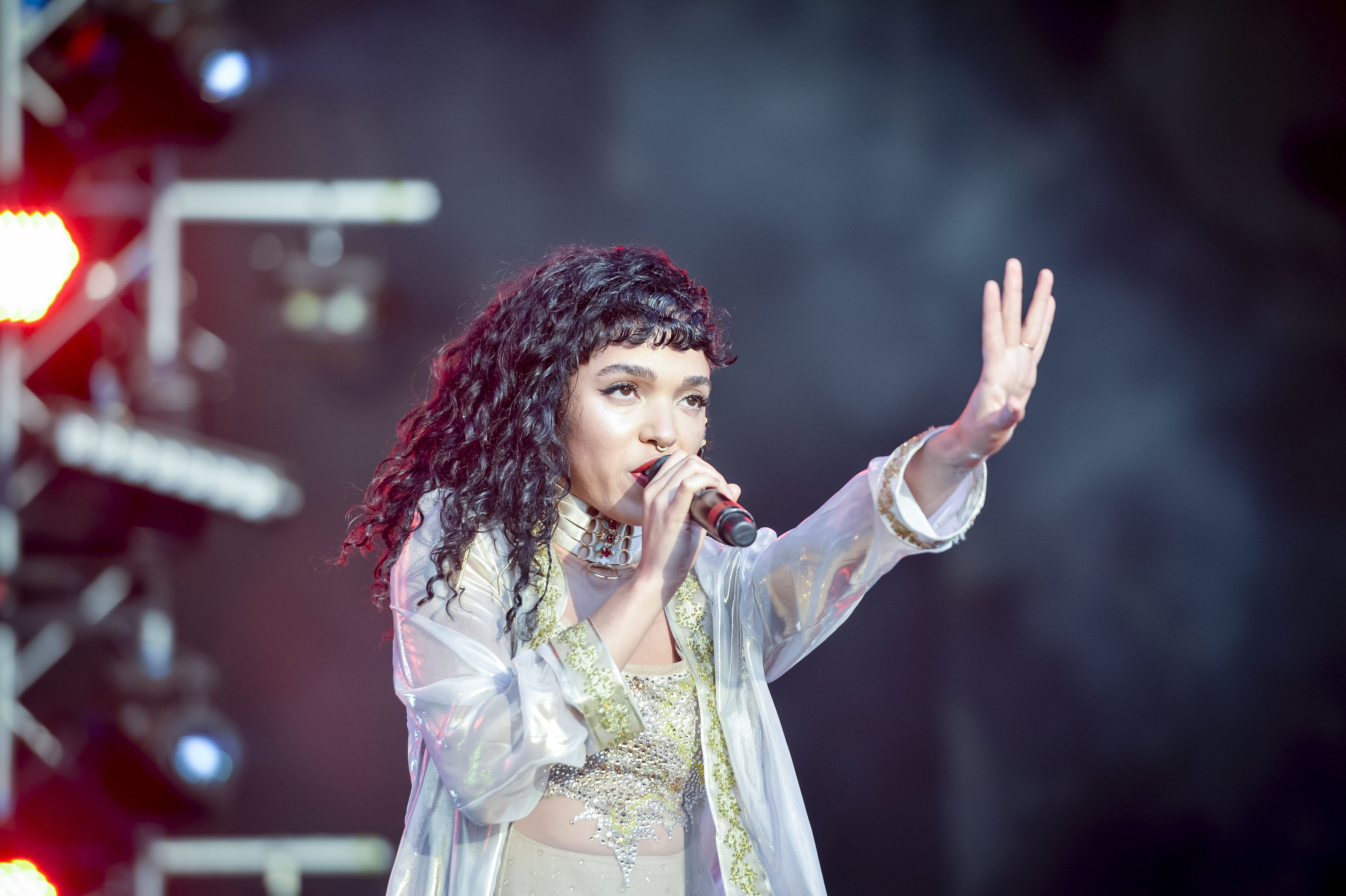 FKA Twigs Reveals She Had 6 Fibroid Tumors Removed