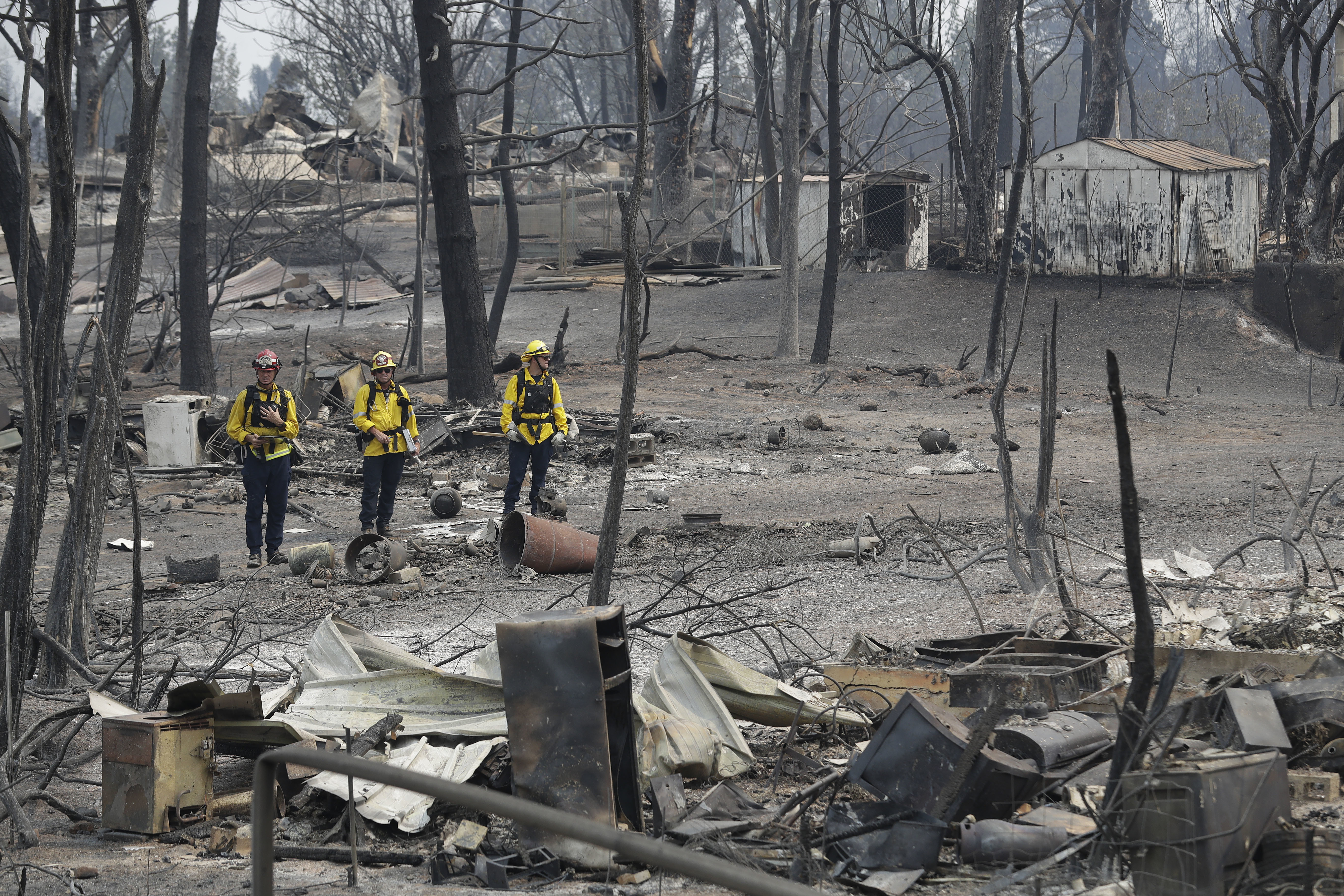 Twin wildfires threaten 10,000 Lake, Mendocino county homes