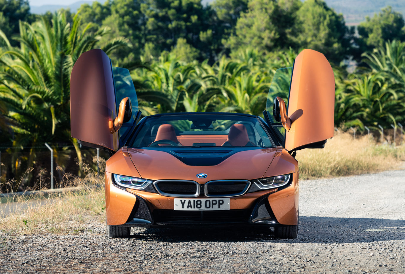 The Roadster retains the regular i8's iconic doors