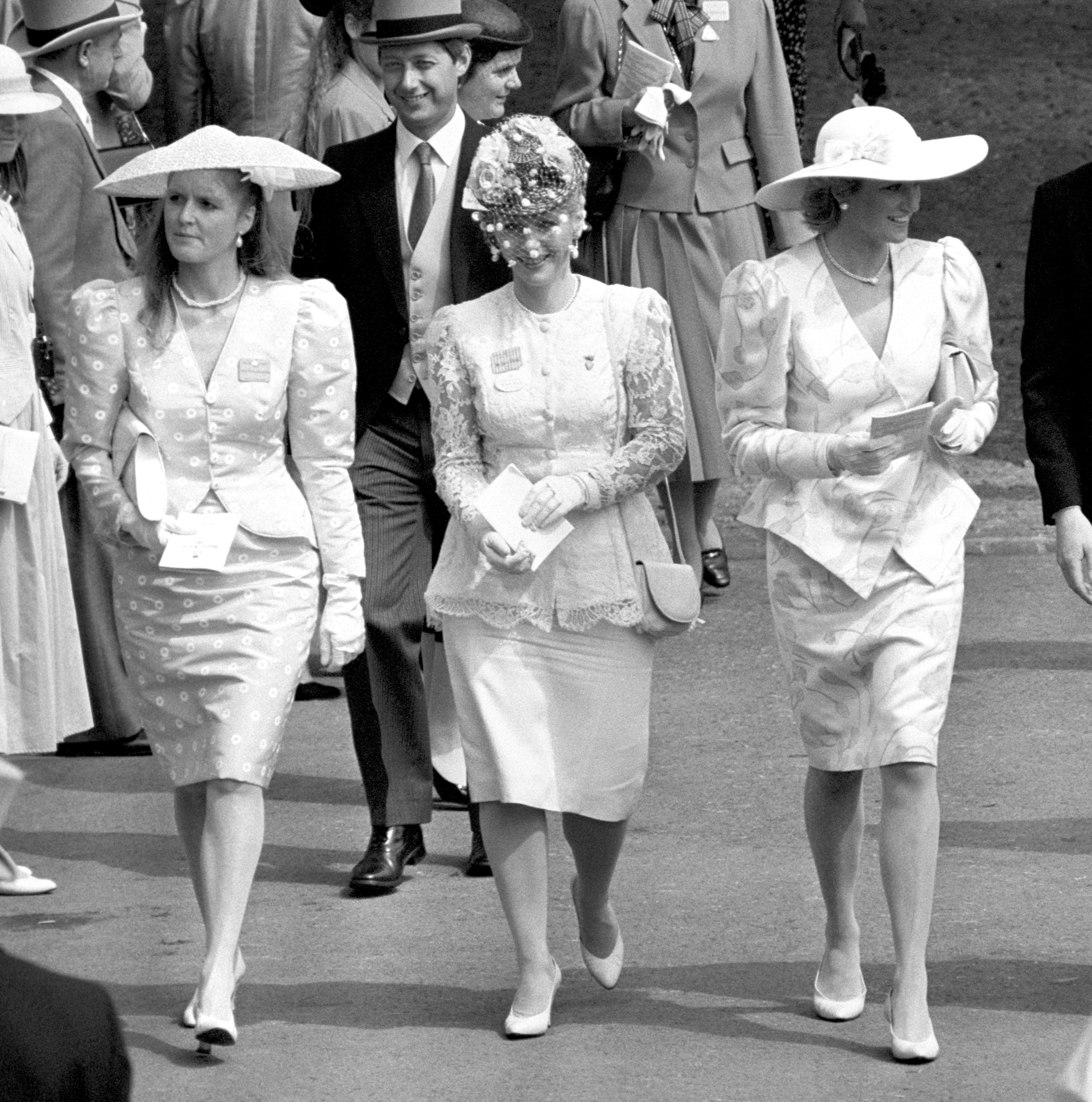 Diana, the Princess of Wales (r) and Sarah, Duchess of York (l), at Ascot in 1987
