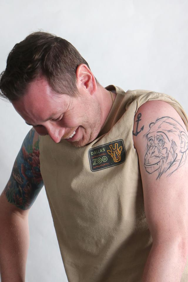 Zookeeper William from Dallas Zoo showing off his tattoo