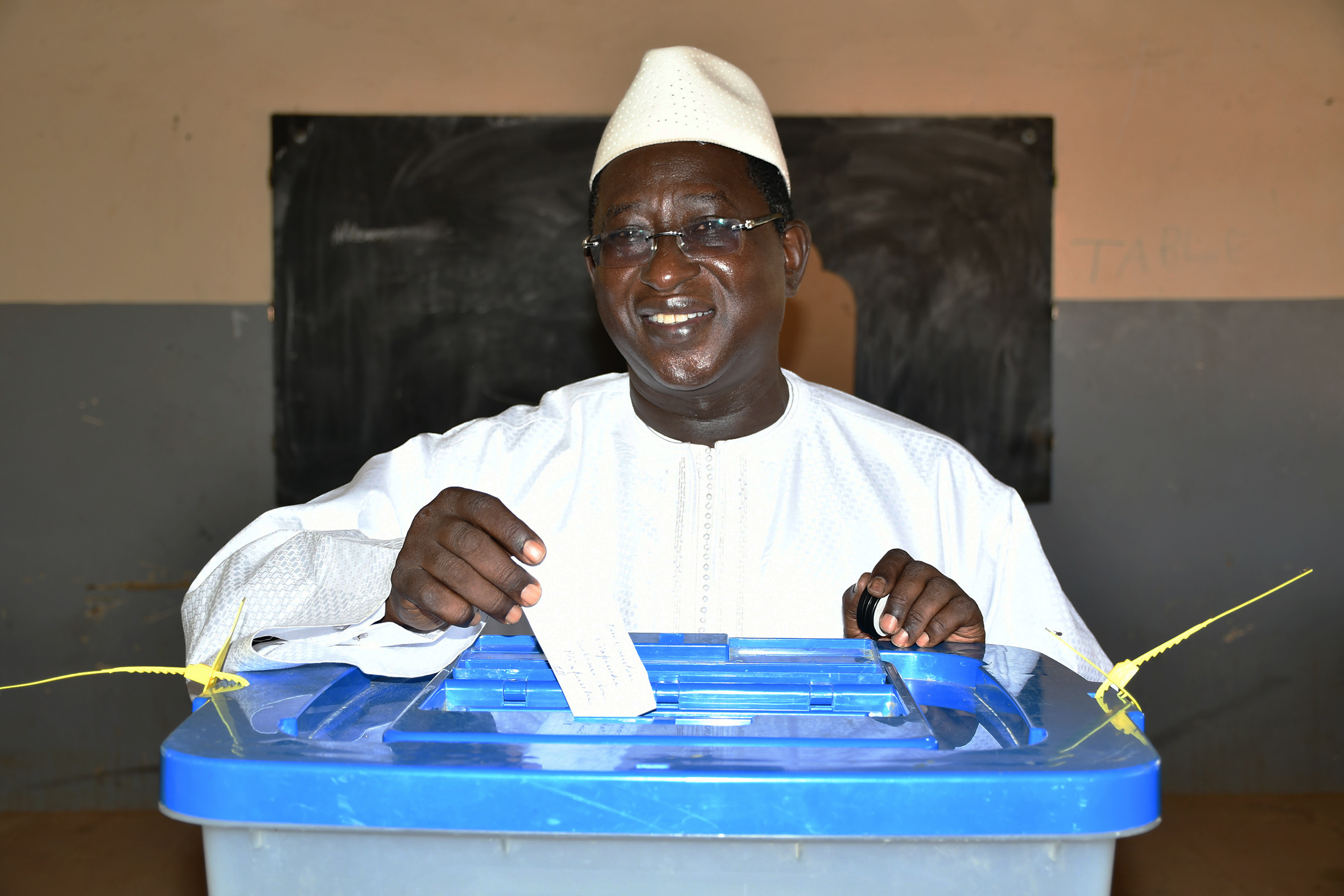Malians Vote In Presidential Runoff Amid Attacks And
