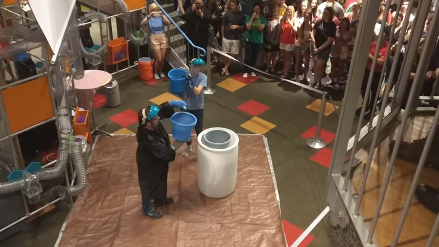 A science demonstration at the Museum of Discovery