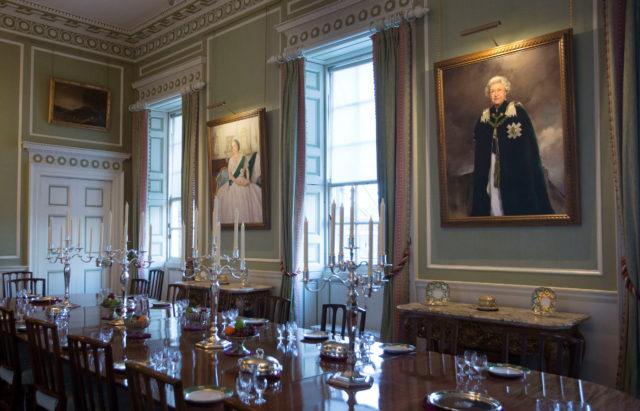 Queen Elizabeth II Is Especially Regal in Newly Unveiled Portrait