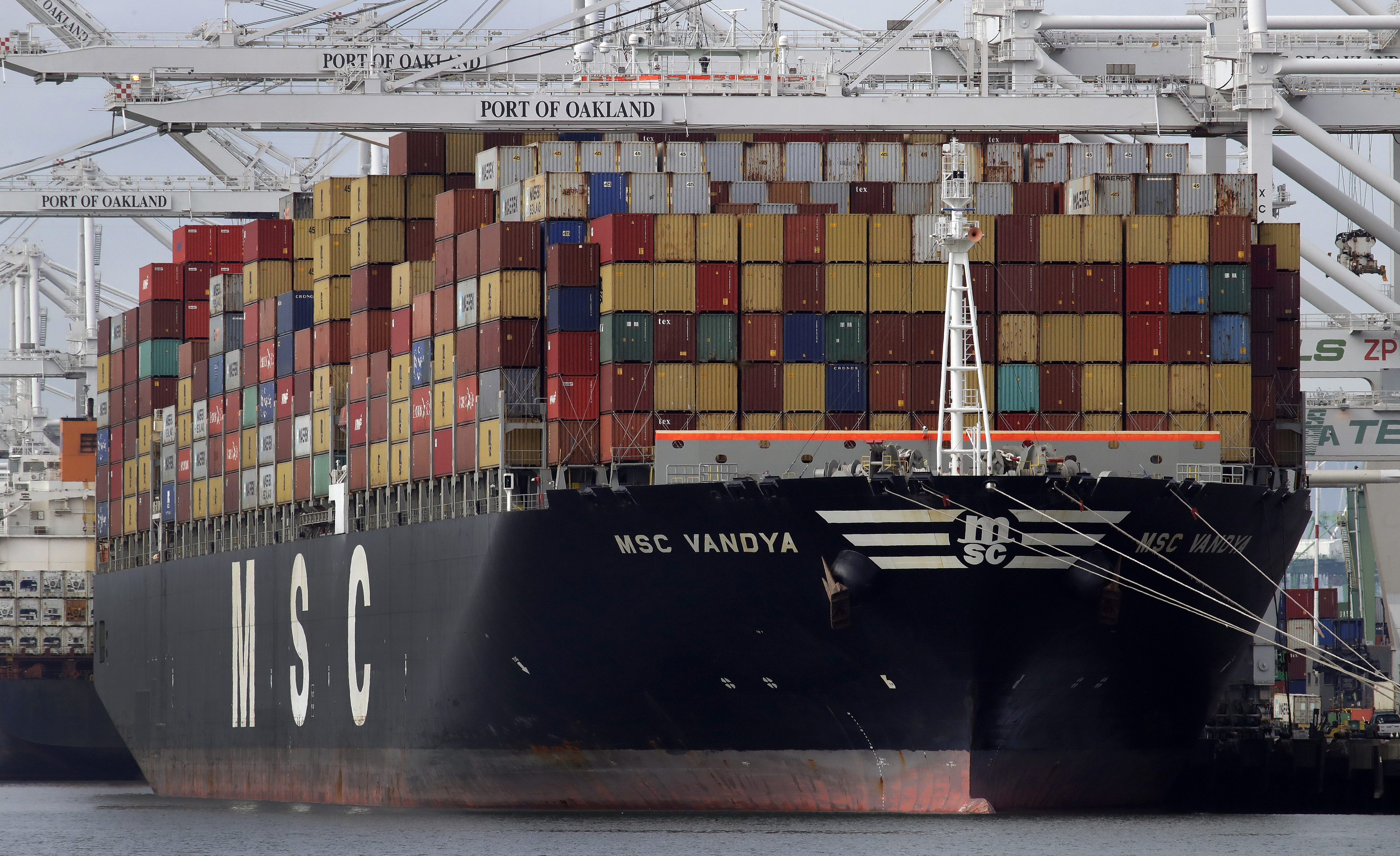 U.S.  trade deficit surges to 10-year high in 2018