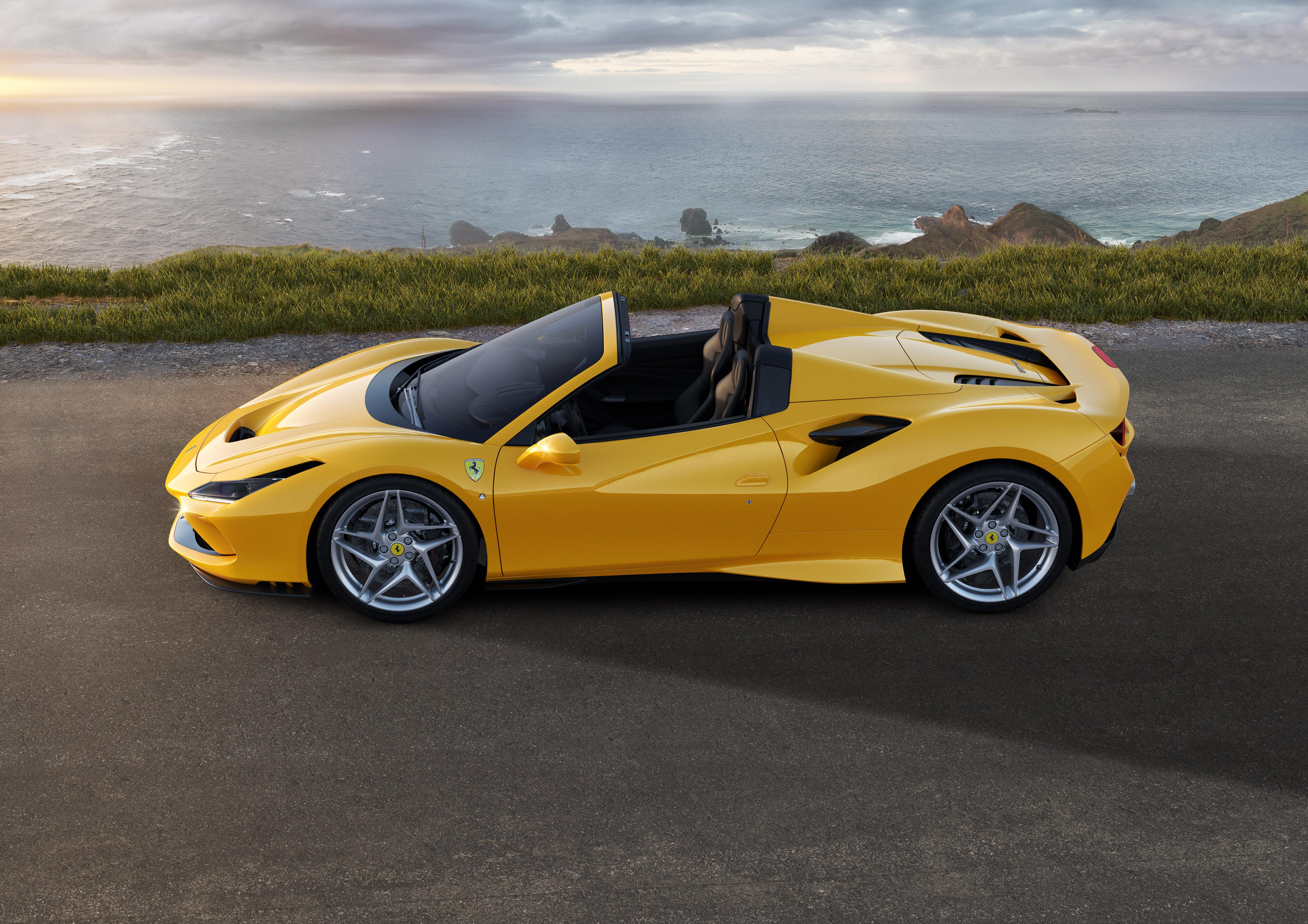 Ferrari announces F8 Spider