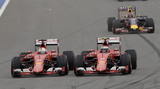 Ecclestone proposes two-race format