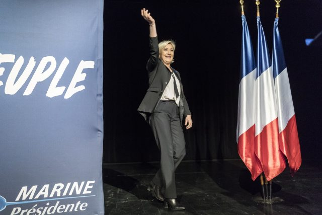 Le Pen Says France Not Responsible for Nazi's Vel d'Hiv Round-Up