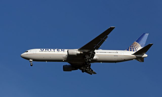 United passenger: 'I'd rather go to jail' than leave flight willingly