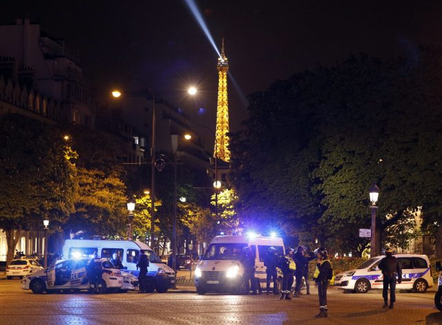 Paris shootout leaves police officer and gunman dead