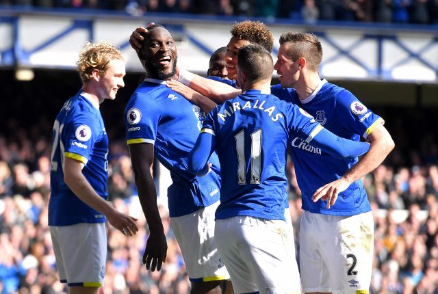 Everton's Romelu Lukaku (second left) celebrates scoring his side's third goal of the game