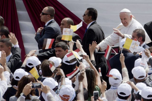 Pope Francis set to pray with Egypt's Christians