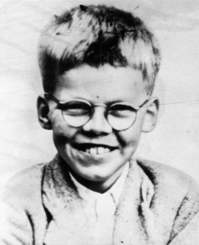Notorious child serial killer Ian Brady has died in prison