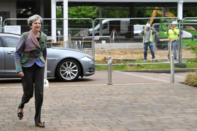 Theresa May confronted by angry voter on visit to Oxford