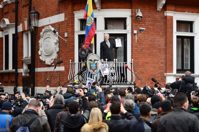 Swedish prosecutors say they will drop investigation of WikiLeaks founder Assange