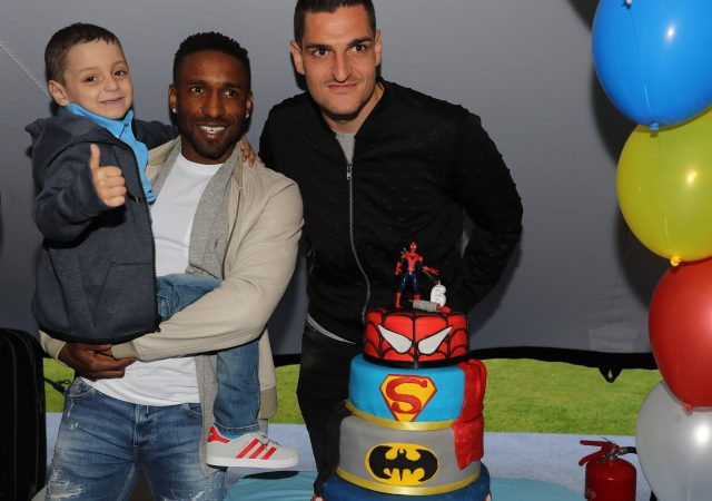 Bradley Lowery, Jermain Defoe and Vito Mannone