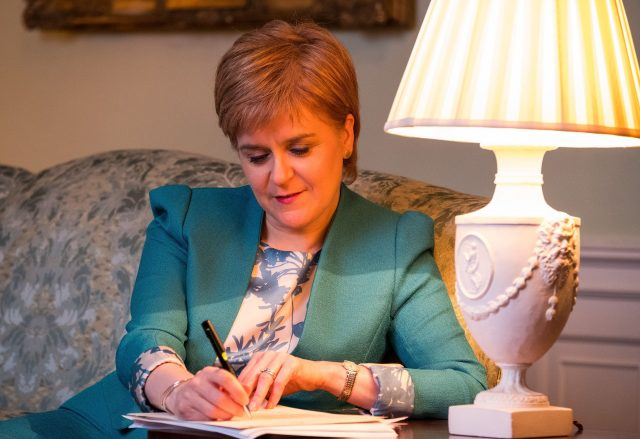 Nicola Sturgeon: SNP would support Labour on an 'issue by issue' basis