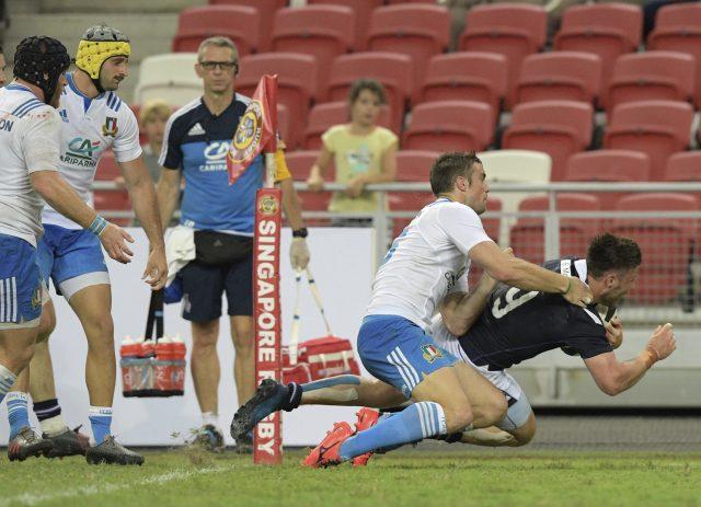 Ali Price scores Scotland's first try
