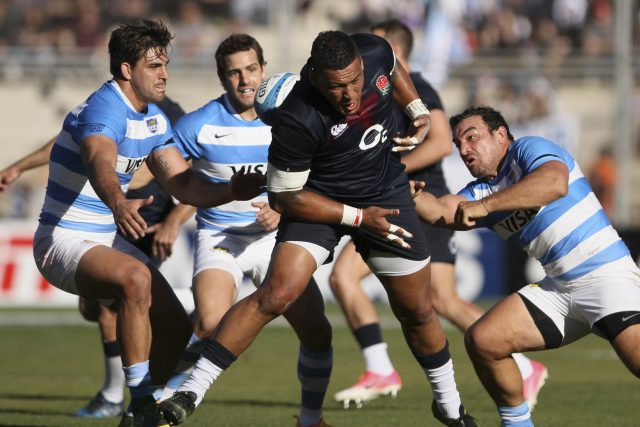 Young England side snatch dramatic late win in Argentina test
