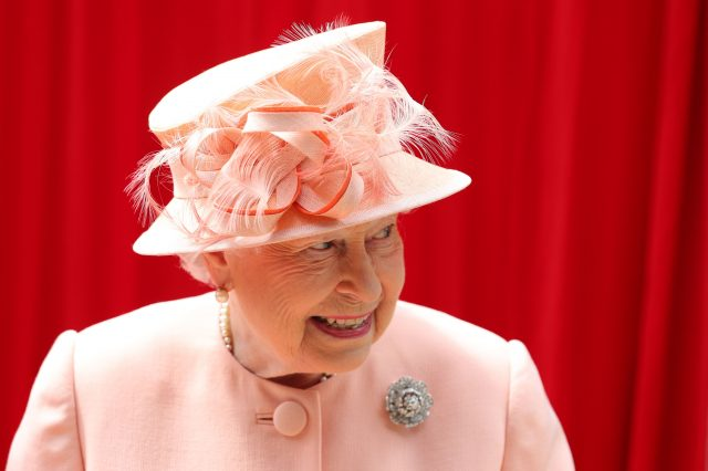 Queen recreates historic train journey