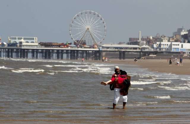 UK prepares to bask in hottest day of the year this weekend