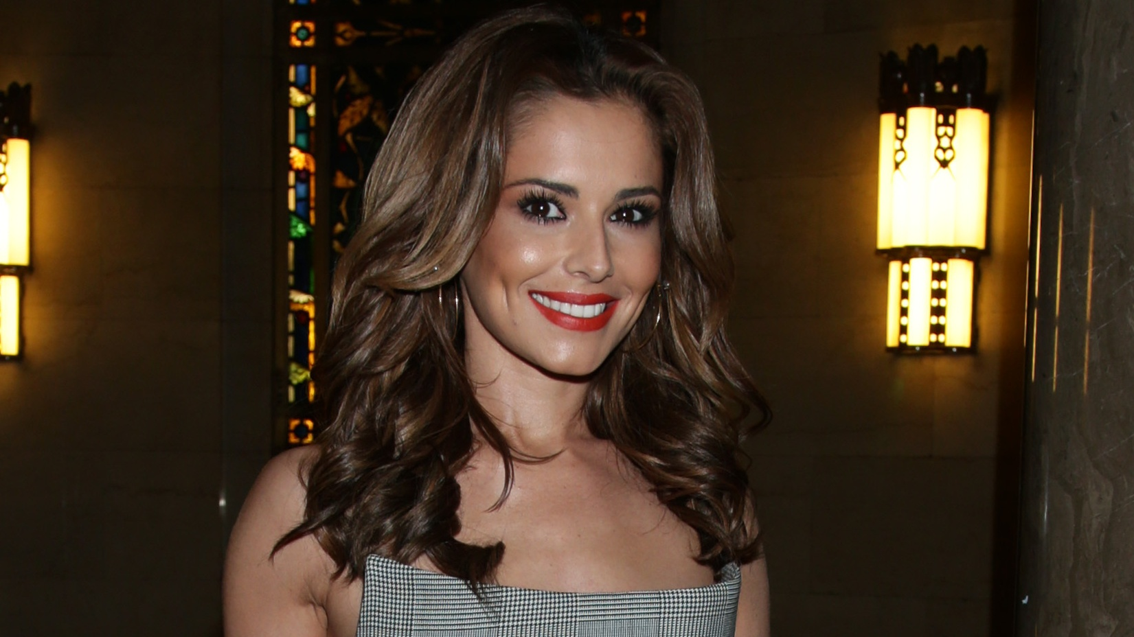 Liam throws Cheryl a garden party for her 34th Birthday