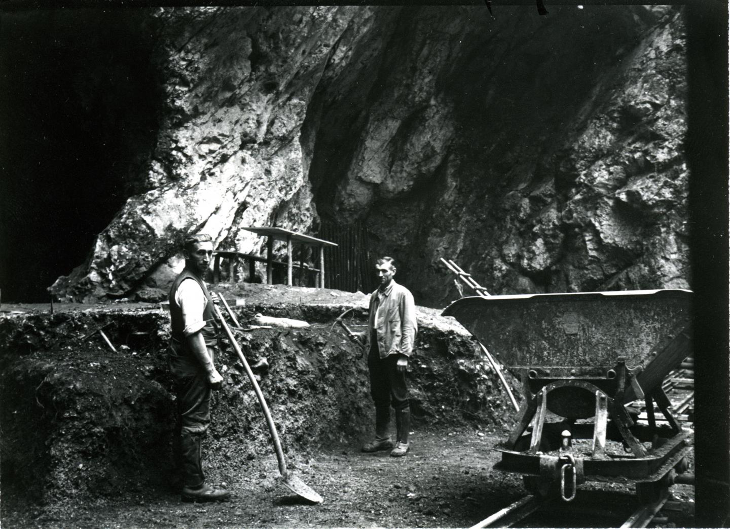 The cave in southwestern Germany in 1937 a 124,000 year old Neanderthal femur was discovered.